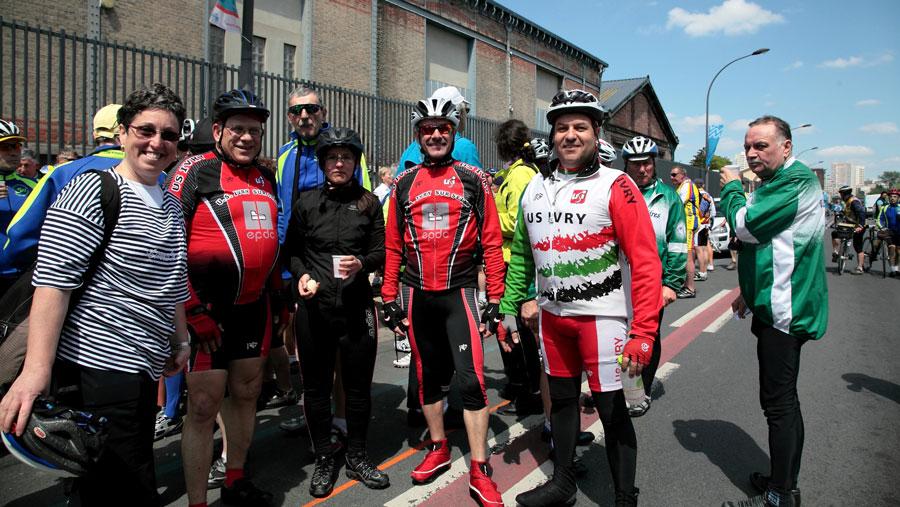 Photo des adhérents du cyclotourisme et Cyclosport de l'US Ivry